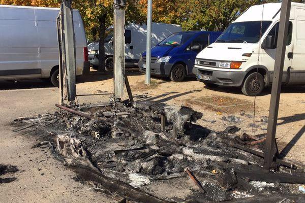De violents affrontements à Mantes-la-Jolie, dans les Yvelines.