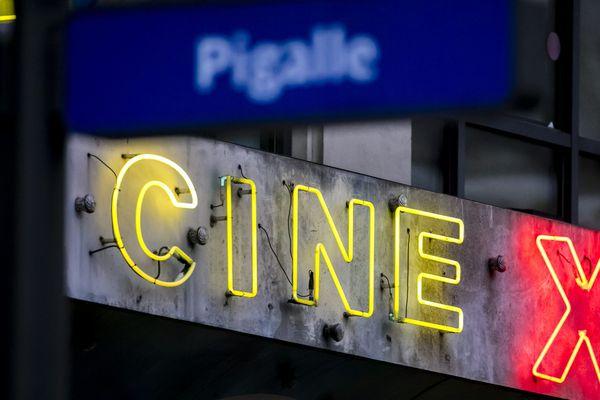Un cinéma X dans le quartier de Pigalle, à Paris.