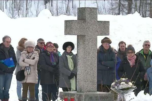 Une cérémonie d'hommage en présence des familles