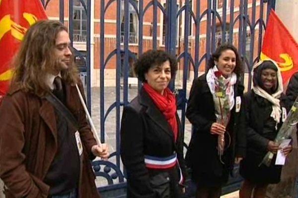 """Sabrina et Mila se sont dit """"oui"""" devant la mairie de Montauban."""