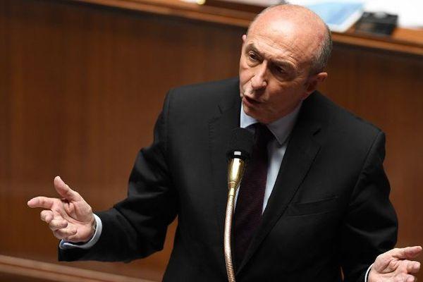 Le ministre de l'intérieur Gérard Collomb a annoncé les deux projets d'attentats le dimanche 25 février