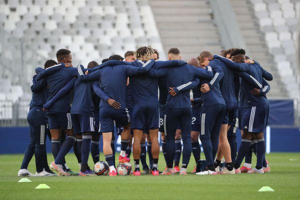 L'équipe des Girondins se rassemble avant le début du match contre Lens, le 16 mai dernier au stade Matmut Atlantique de Bordeaux.