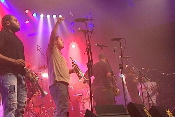 Les Soul Rebels avaient déjà joué deux sets la veille salle Marcel Hélie. Le brass-band de la Nouvelle-Orléans était la tête d'affiche du concert lycéen.