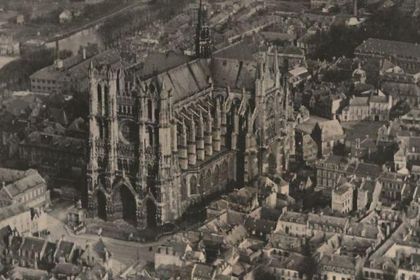Amiens avant les destructions de mai 1940.