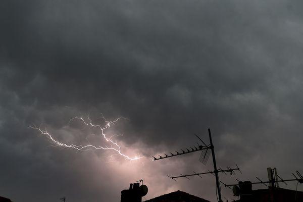 Les orages devraient frapper la région