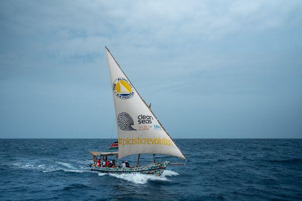Trois Toulousains bientôt en expédition sur le lac Victoria, à bord d'un voilier unique au monde fabriqué à partir de déchets plastiques