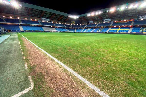 La pelouse du stade Bonal dans un état déplorable