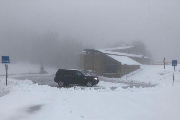 De la neige dans les Cévennes le 6 avril 2019, les conditions de circulation sont très difficiles