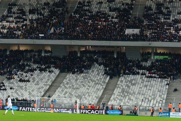 Les Ultramarines désertent les tribunes du stade pendant le match contre Strasbourg, vendredi 8 décembre 2017 à Bordeaux.