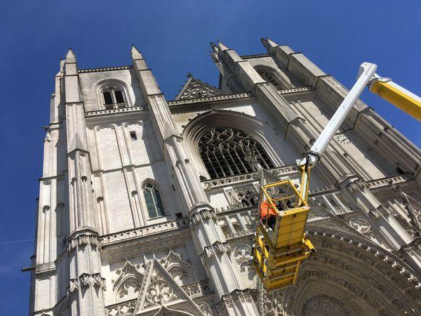 """""""La façade occidentale est hors de danger"""" Pascal Prunet, architecte en chef des Monuments Historiques."""