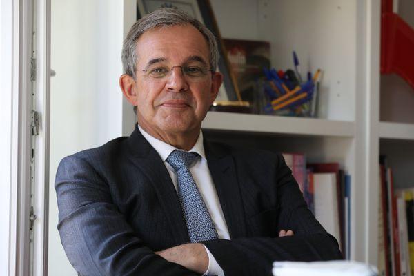 La candidature de l'ex-ministre LR Thierry Mariani a rebattu les cartes en région Paca, déjà tentée par le vote frontiste en 2015