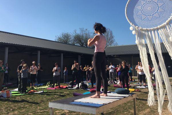 Samedi 23 mars c'était la première séance de Silent yoga au Collège Notre-Dame de la Villette à La Ravoire.