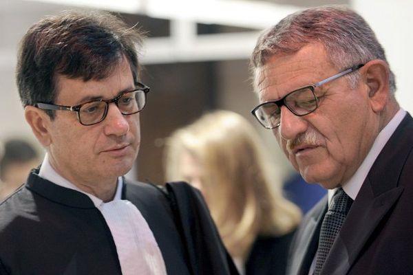 L'ancien maire de La-Faute-sur-Mer, René Barattier (à d.) avec son avocat Didier Seban.