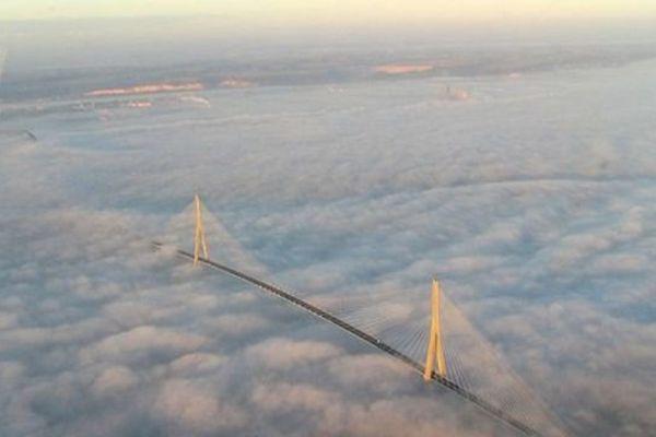 Le Pont de Normandie à saute-moutons...