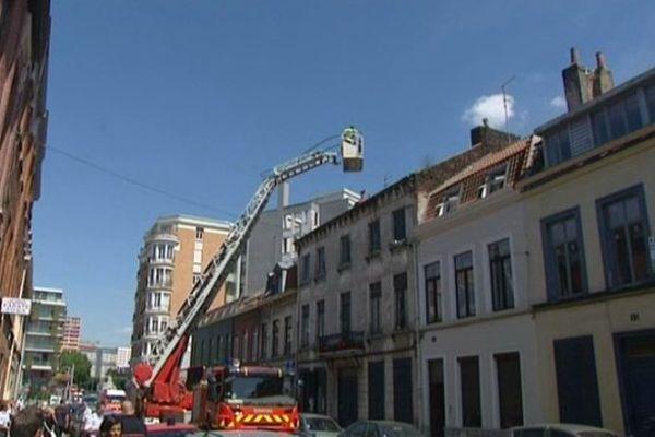 Opération de sauvetage d'une famille ce lundi à Roubaix.