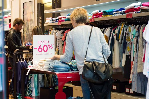 En Corse, les soldes d'été débuteront le 11 juillet, mais les ventes privées,elles, ont déjà commencé.