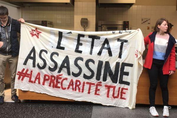 Les étudiants mobilisés ont montré leur colère face à l'inaction du gouvernement.