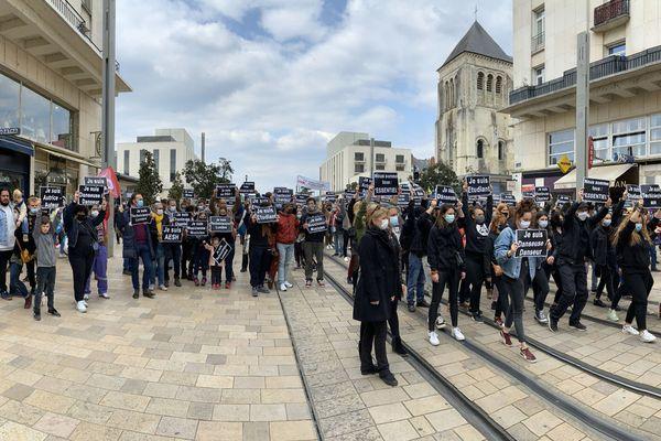 Rue Nationale à Tours en silence