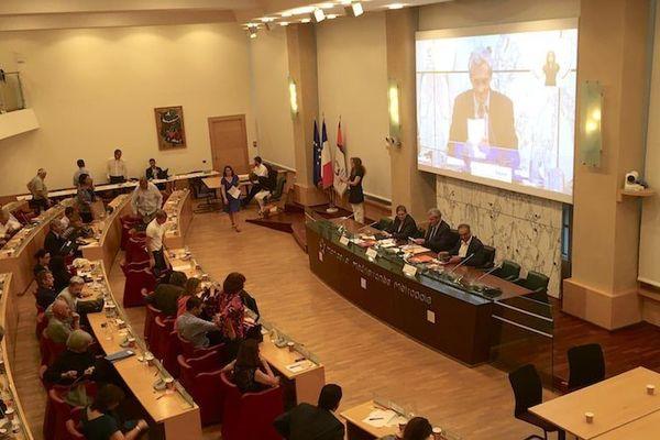 Dans la région, seule la métropole de Montpellier a inscrit l'obligation de la parité dans ces statuts.