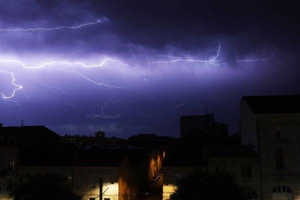 Ciel orageux sur Bordeaux