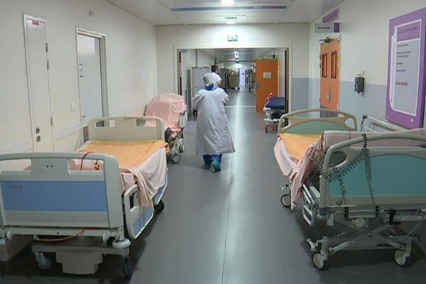 Les interventions non urgentes sous anesthésie totale sont repoussées depuis mars dernier.