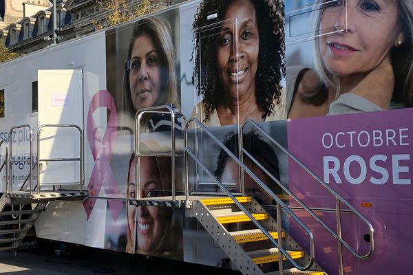 Le camion Octobre rose se déplacera en Ile-de-France jusqu'à début novembre.