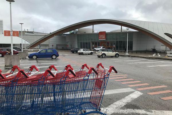 Le centre commercial de la Toison d'or partiellement le 31 janvier 2021