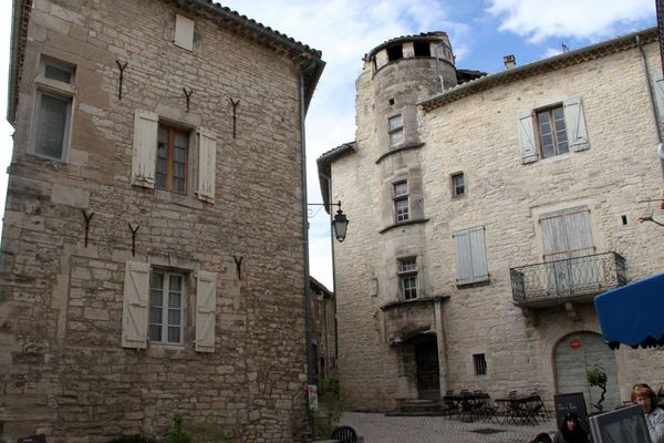 Barjac ville médiévale du Gard