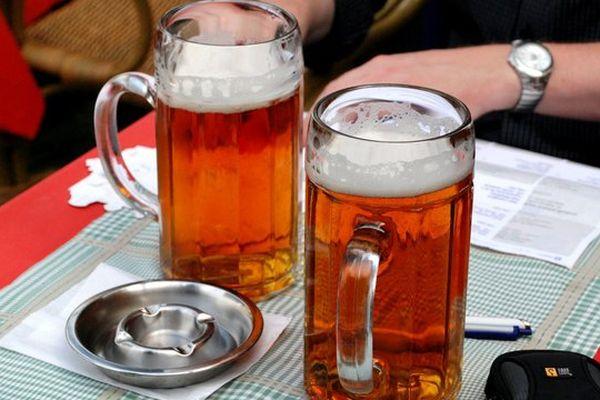 Les autorités britanniques ont relevé leur exigence dans la consommation d'alcool.