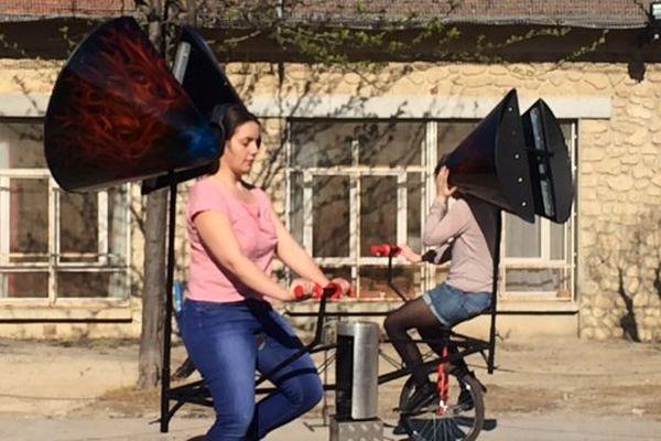 Expérience du kaléïdophone lors de la ZAT (Zone Artistiques Temporaires) dans le quartier de Figuerolles à Montpellier les 9 et 10 avril 2016.