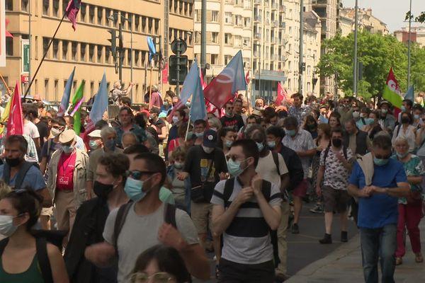 Des milliers de manifestants ont défilé en Bretagne pour la liberté et contre les idées d'extrême-droite