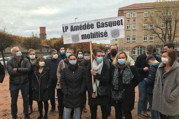 Mardi 3 novembre, environ 35 % des enseignants du lycée Amédée Gasquet de Clermont-Ferrand sont en grève selon la direction.