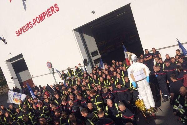 Rassemblement des pompiers à la caserne de Gerland (Lyon 7e) - 5/11/18