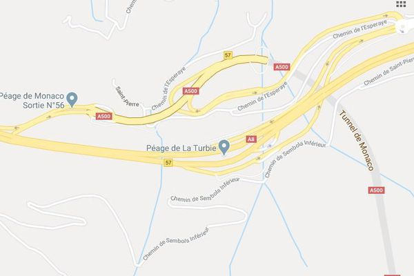 L'accident a eu lieu après le péage de la Turbie dans le sens Italie-Aix-en-Provence.