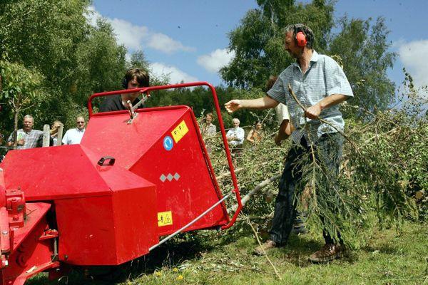 Illustration. Le broyage de végétaux, une alternative aux écobuages.