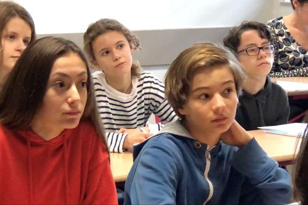 Les élèves du Collège Cassignol de Bordeaux attentifs à l'éducation aux médias