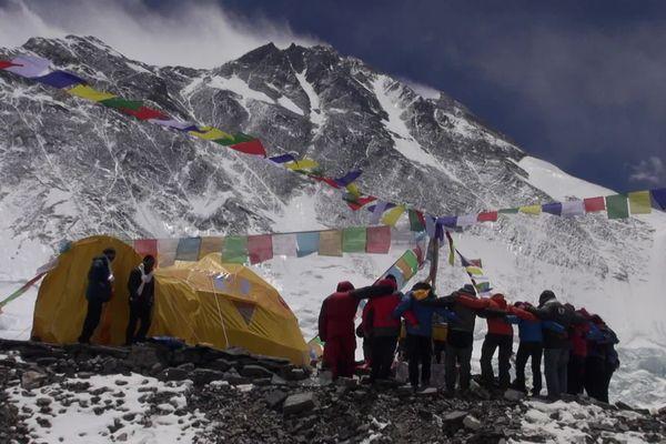 Gravir les plus hauts sommets du monde, un objectif pour certain, une obsession pour d'autres.