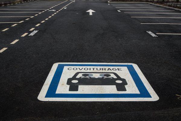 Parking de covoiturage. Photo d'illustration