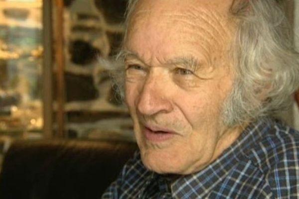 Roger Carnac a écrit son premier roman en 1968.