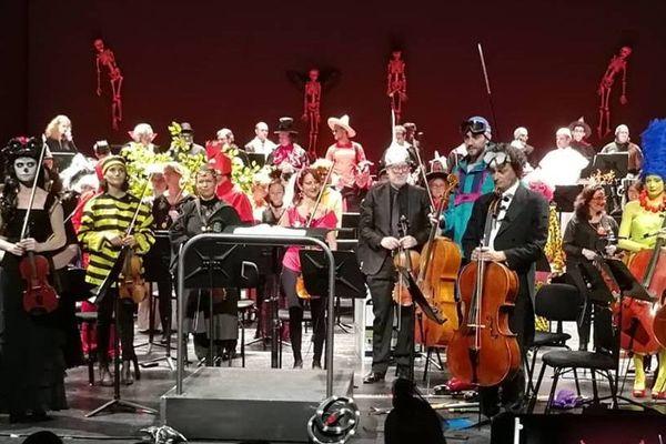 Les musiciens déguisés de l'Opéra de Lorraine à Nancy offrent un concert gratuit pour Halloween. Ici en 2018.