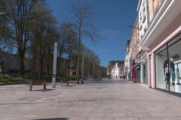 La place René Goblet à Amiens, le premier jour du confinement le 17 mars 2020.