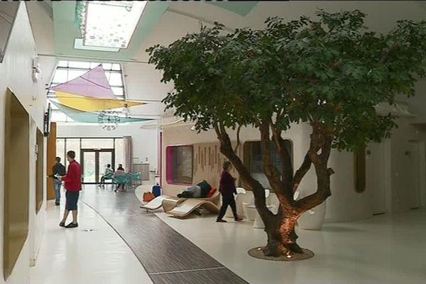 """""""L'éveil du scarabée"""" est un foyer d'accueil médicalisé pour personnes souffrant de troubles autistiques. Il est situé à Champcevrais, dans l'Yonne."""