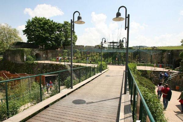 Une pétition de l'association Humanimo demande aux candidats des élections municipales de se prononcer sur le devenir du zoo de la Citadelle de Besançon.