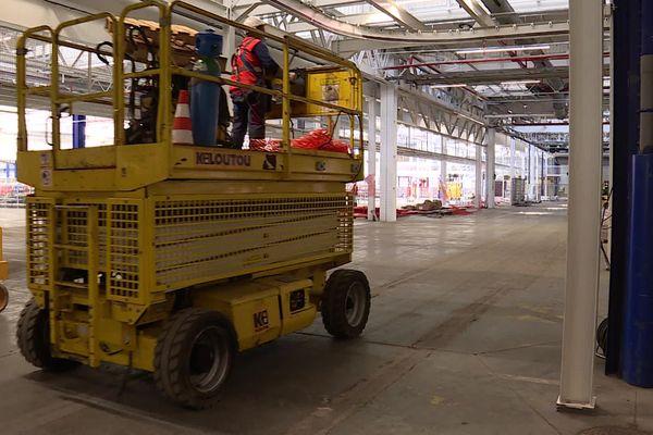 La nouvelle ligne de montage en cours d'installation à l'usine de Sochaux