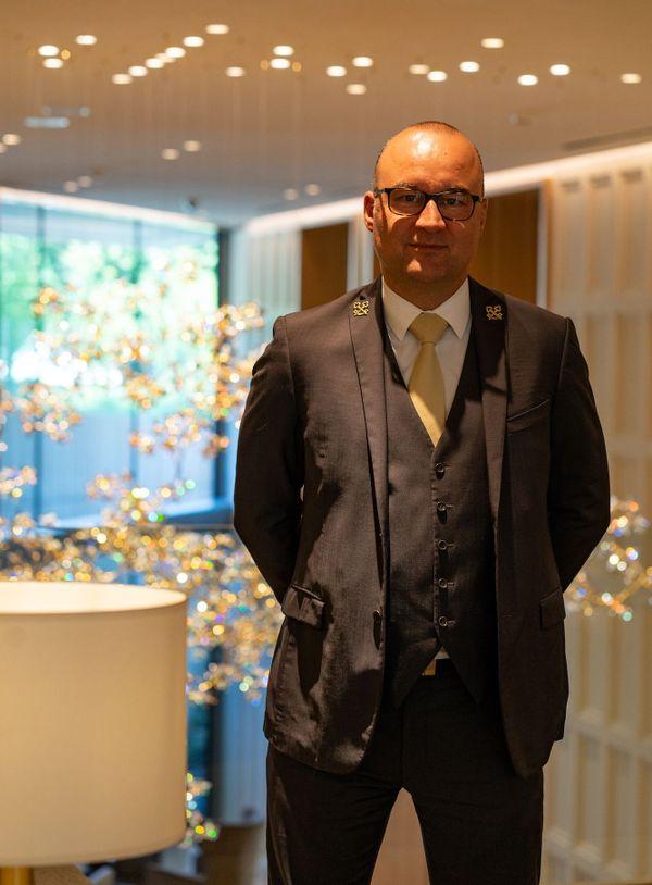 José Vandevoir est chef concierge et fait partie du club très sélectif des Clés d'or