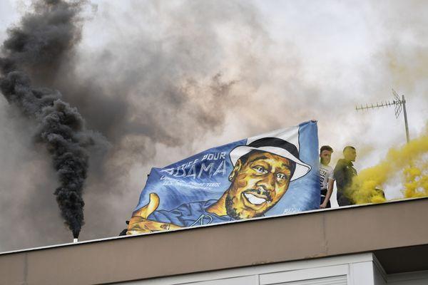 Une manifestation en hommage à Adama Traoré, un an après sa mort.