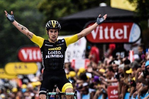 Vendredi, c'est le Slovène Primoz Roglic qui s'est imposé à Laruns devant le maillot jaune Geraint Thomas.