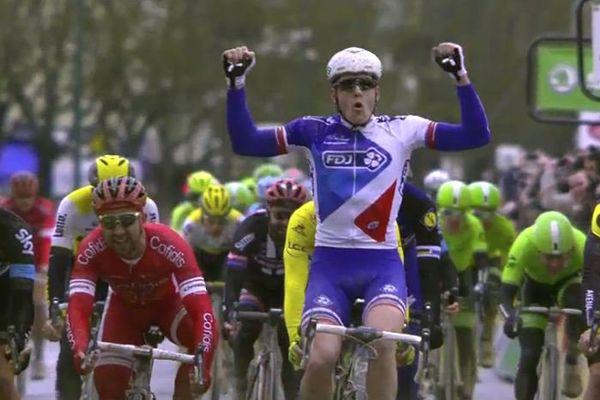 Le Français Arnaud Démare (FDJ) remporte la première étape du Paris-Nice à Vendôme