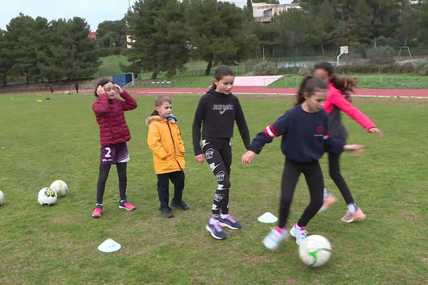 Istres (Bouches-du-Rhône) : l'école De Rugby SMR XV a organisé, samedi 29 février, une journée sportive et de sensibilisation contre la pédophilie.