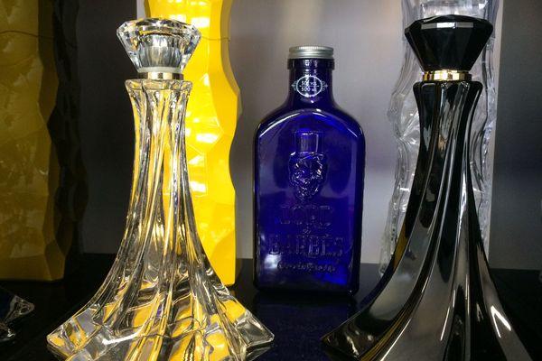 Flacons de démonstration pour les vitrines de parfumeries fabriqués à Blangy sur Bresle (76).